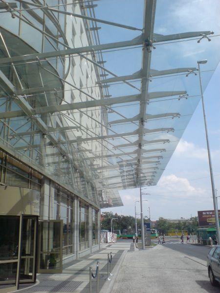 GLASS - MAL TA Malawscy,szkło mocowane punktowo